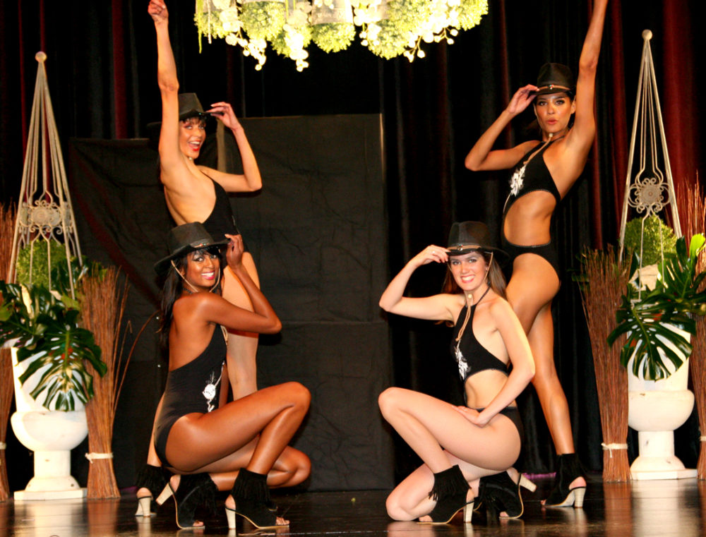 Dance - Lydie Enguehard